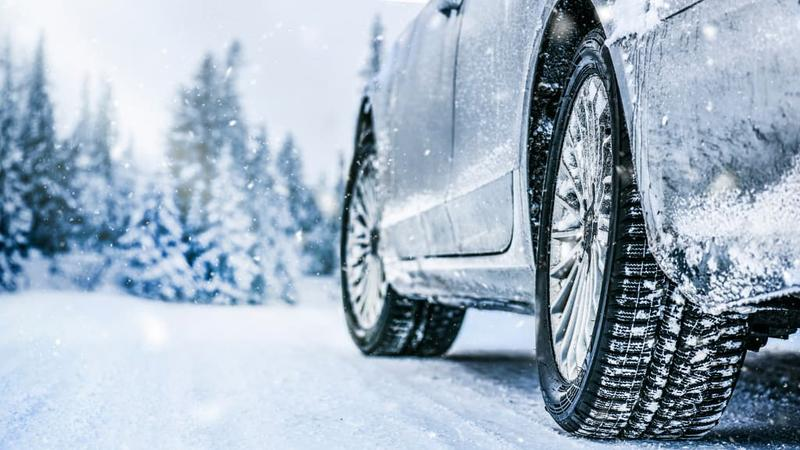 Tire driving in snow